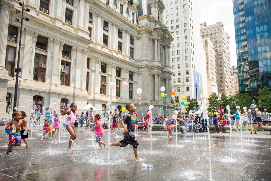 15 must see attractions on the benjamin franklin parkway for Must see attractions in philadelphia
