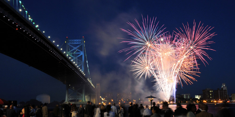 where to watch new year s eve fireworks in philadelphia for 2016