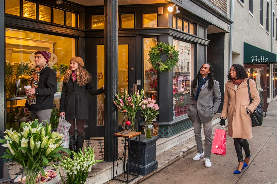 Holiday shoppers in Manayunk