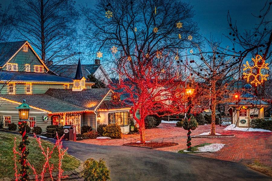 Holiday decorations at Peddler's Village