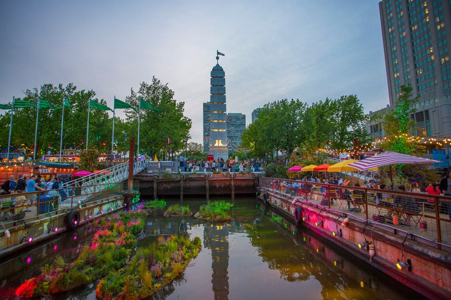 boardwalk at spruce street harbor park