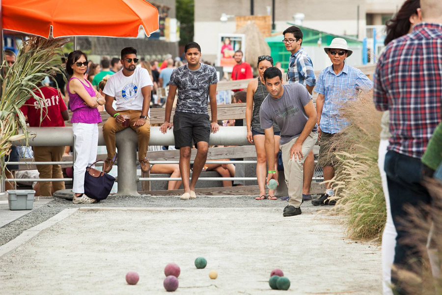 bocce at spruce street harbor park