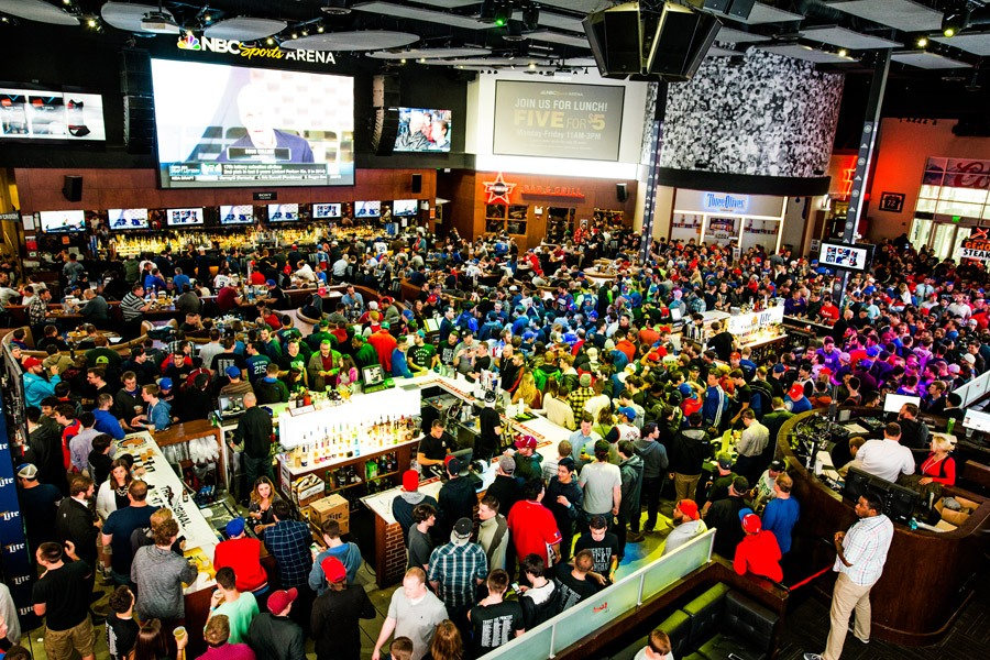 crowds at xfinity live in philadelphia