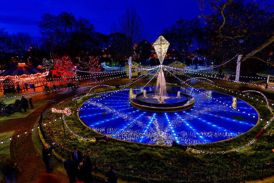 Electrical Spectacle:A Holiday Light Show at Franklin Square