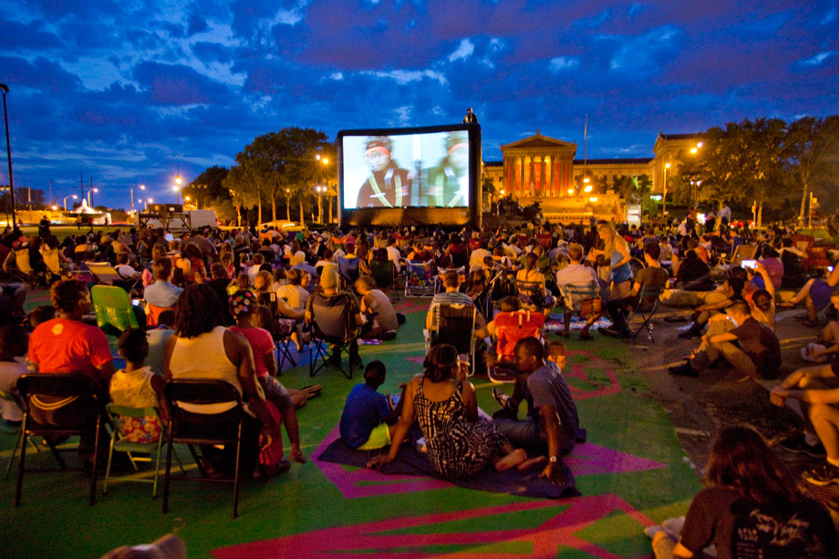 An outdoor movie screening at The Oval (Photo by M. Fischetti for Visit Philadelphia)
